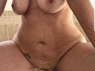 Sexy wife selfie......how can I work when this is waiting at home????