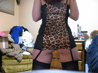 Wow, looking so sexy with this outfit!!! My cock is rock hard!!! Would like to be there, we could have a great moment!!!