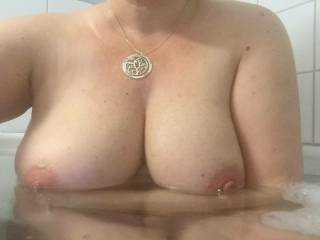 The Mrs..pls cum over her tits and send back ;)
