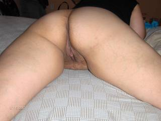 Wifey's pussy still dripping a little after a good fuck. Would'nt you like to play with it too?