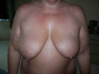 Mrs Daytonohfun's nice tits before a hotel party