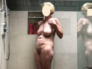 For those who enjoy seeing this sexy woman in the shower as much as I do😉