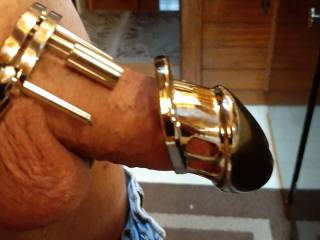 Does this chastity cage make his tiny dick look big???